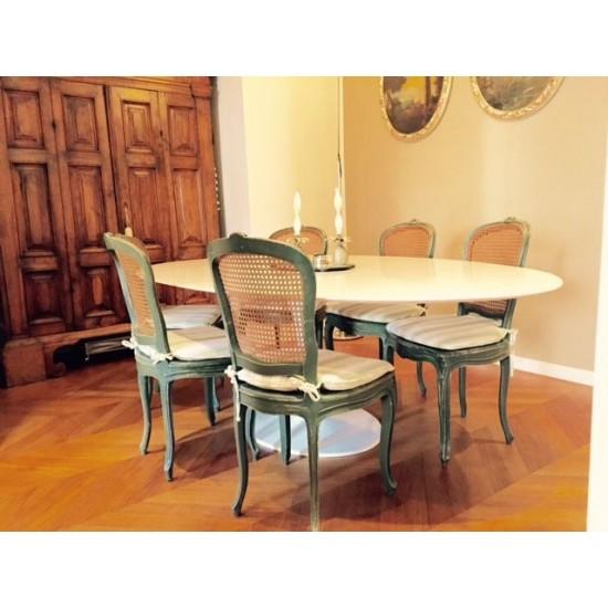 TULIP TABLE ROUND OR OVAL WHITE ASSOLUTO QUARTZ